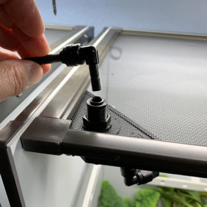 Inserting connector to misting wedge